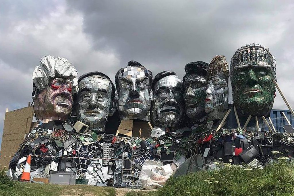 G7: 'Mount Recyclemore' of leaders made from electronic waste in Cornwall